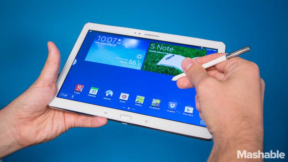 One of Samsung's 10-inch Galaxy Note tablets. IMAGE: Mashable, Christina Ascani