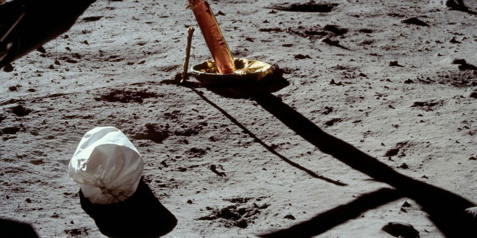 Apollo 11 bag used for lunar samples focus of legal dispute