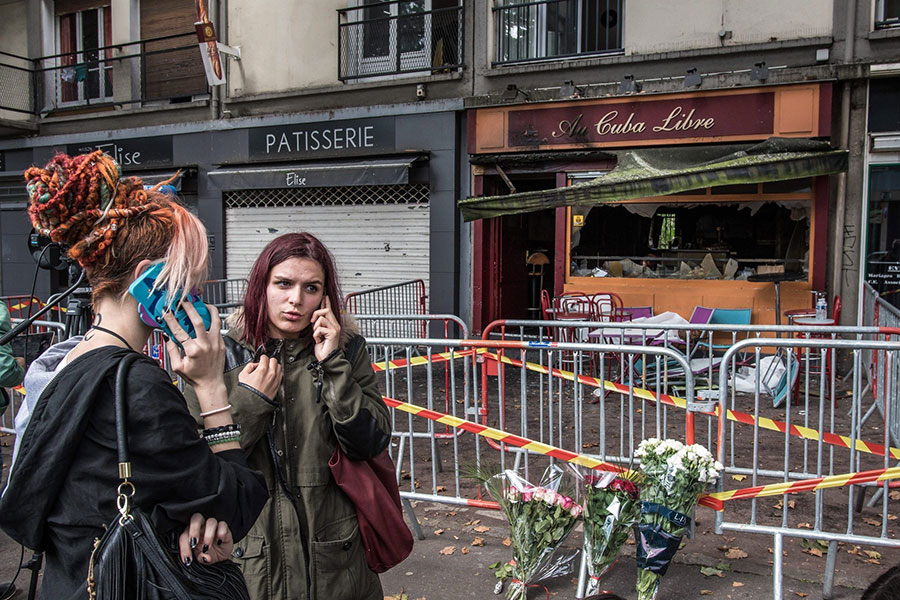 rouen-fire-women