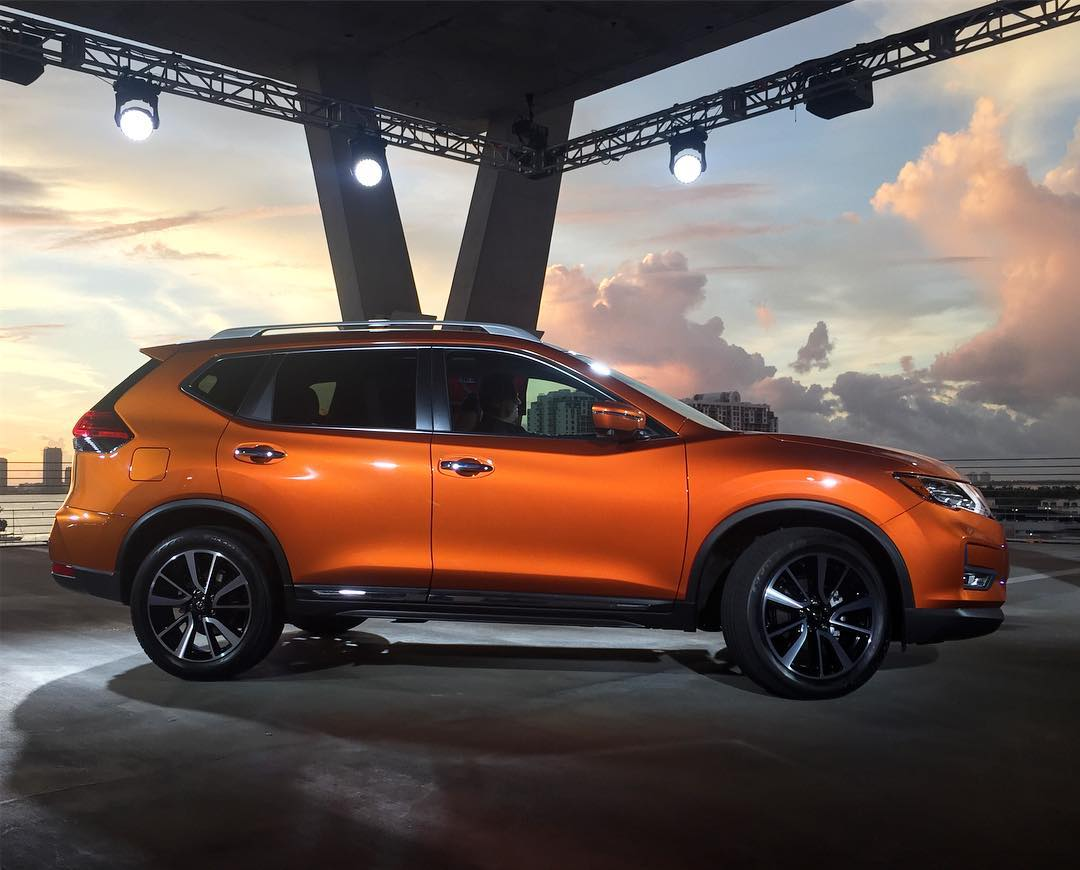 2017 Nissan Rogue Debuts At Miami Auto Show