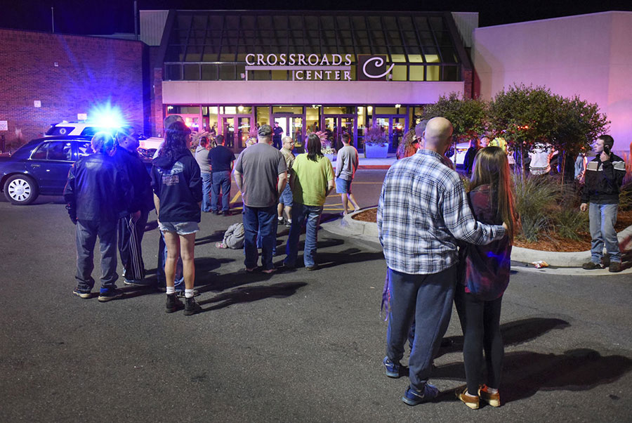 Man Who Stabbed 10 People In Minnesota Mall Is Identified