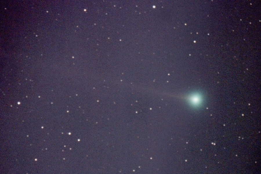 """The """"New Year's Eve Comet"""" will pass near the moon, Photo credit: Fay Observer"""