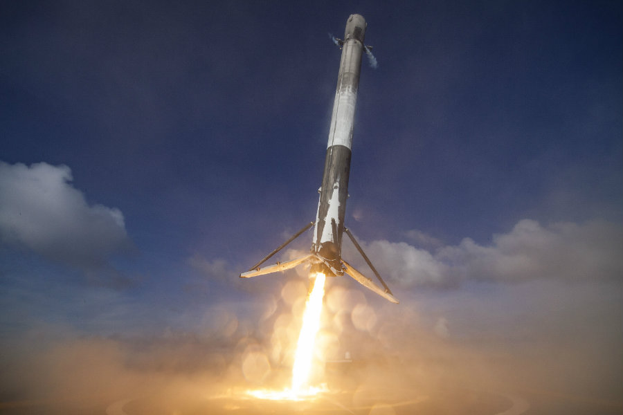 Reusing boosters could give SpaceX' customers a 30 percent discount on a Falcon 9 rocket launch. Image credit: NeoGAF