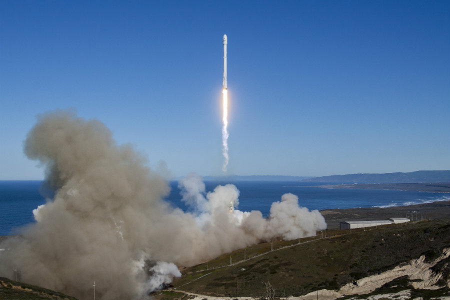 The idea is that, after a rocket flies over the 62-kilometer mark, it will no longer be subjected to taxation because it is no longer on Earth. Image credit: Enlarge / ArsTechnica
