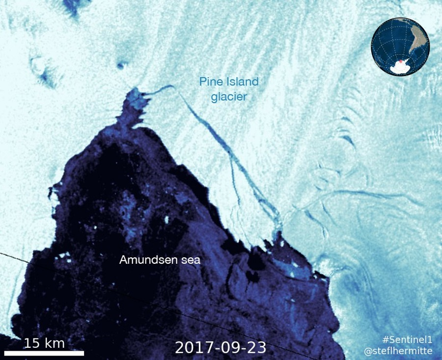From Antarctica broke off a new giant iceberg