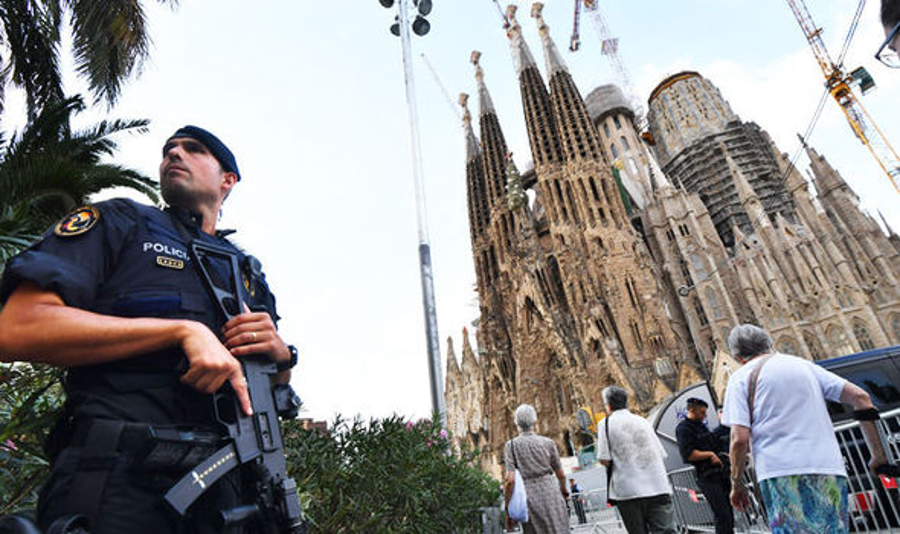 Barcelona: Explosives experts checking van near Sagrada Familia cathedral