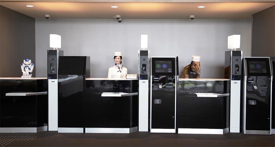 Henn-Na-Hotel-robots