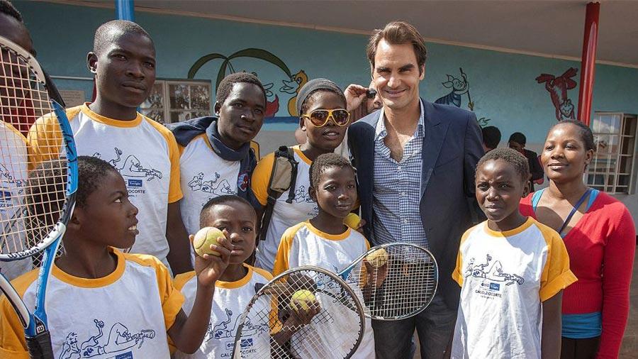 Roger-Federer-visits-Malawi-preschool
