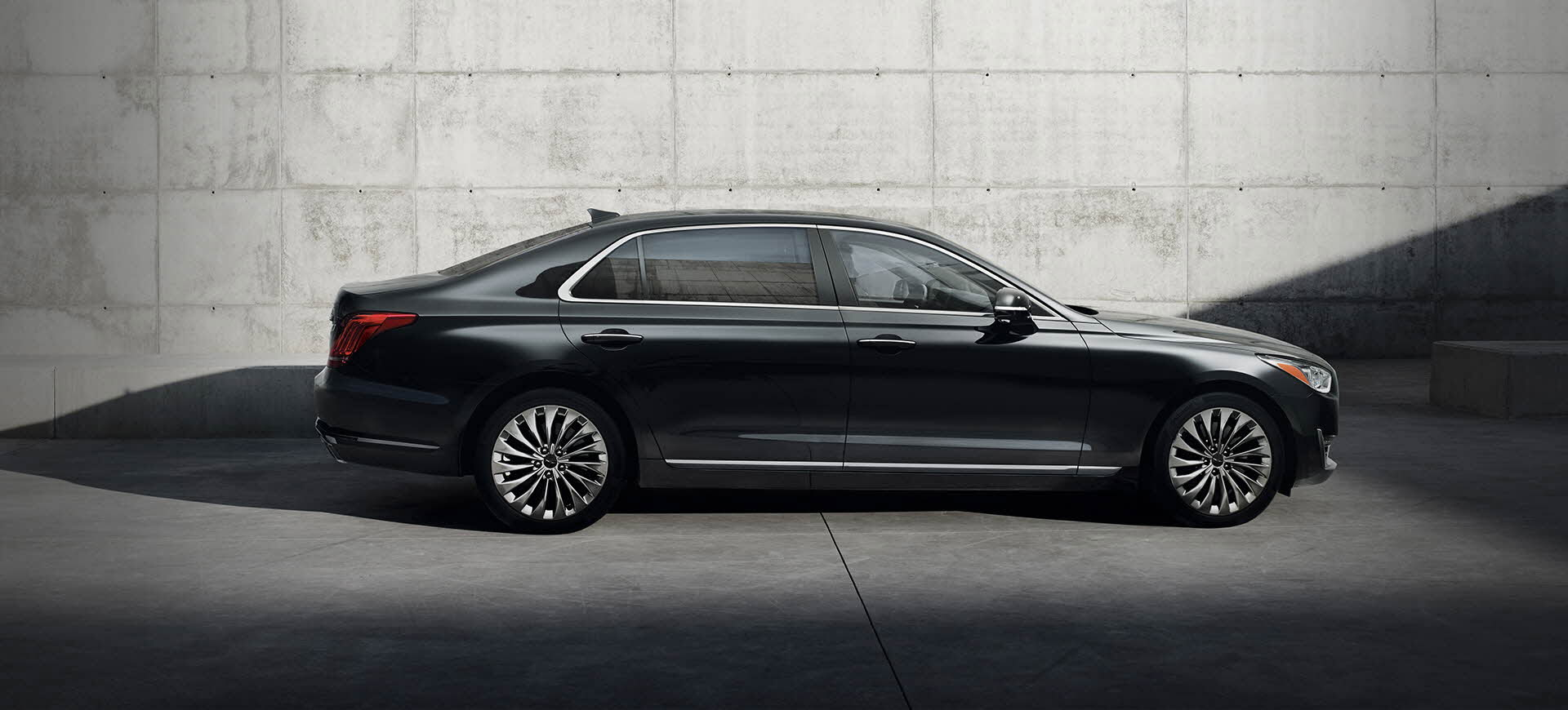 Hyundai's New Genesis G90 Sedan: Price, Specs, Design