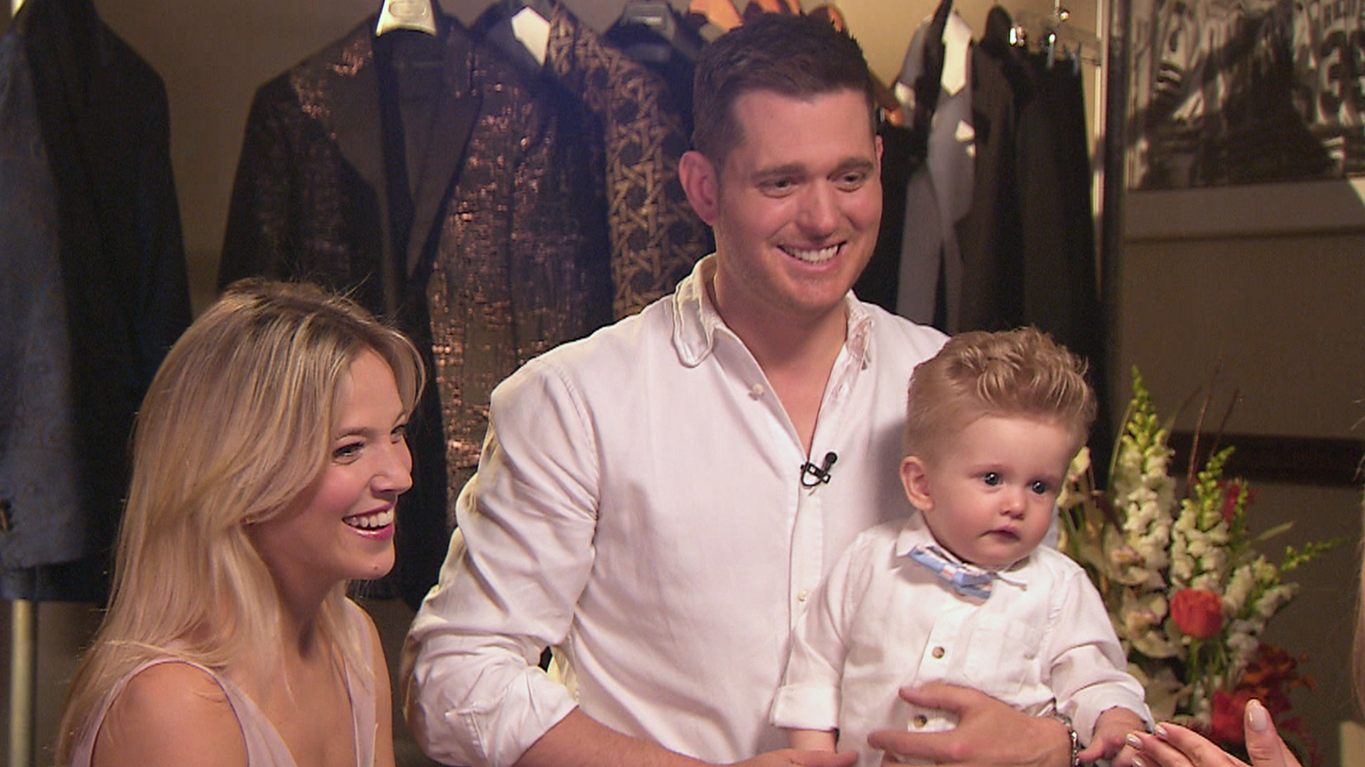 Michael Bublé accompanied by his wife Luisana Lopilato and their son Noah. Photo credit:  BCNN 1WP