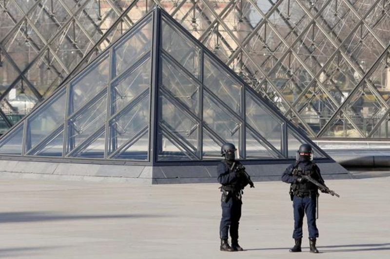 Paris, Attacks, Louvre, Machete