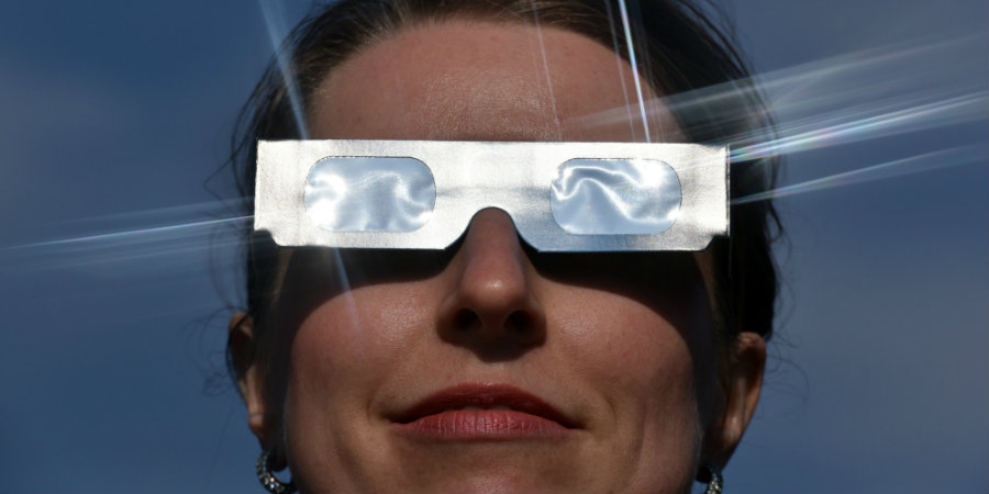 The best solution is to acquire quality eclipse glasses. Image credit: Ralf Hirschberger / DPA / The Huffington Post