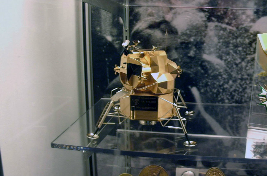 A solid gold moon lander replica that was once gifted to Neil Armstrong has just been stolen from a museum. Image credit: CollectSpace