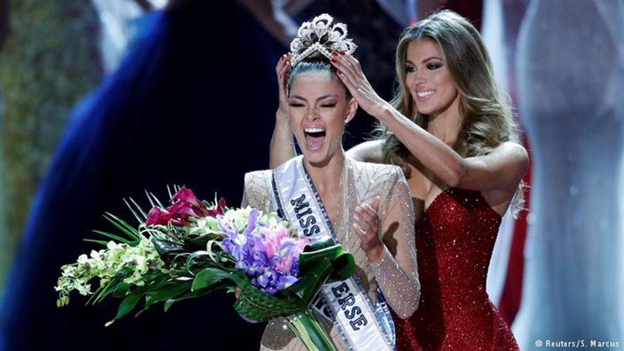 Demi-Leigh Nel-Peters Mikimoto crown 2017 Miss Universe Self-defense