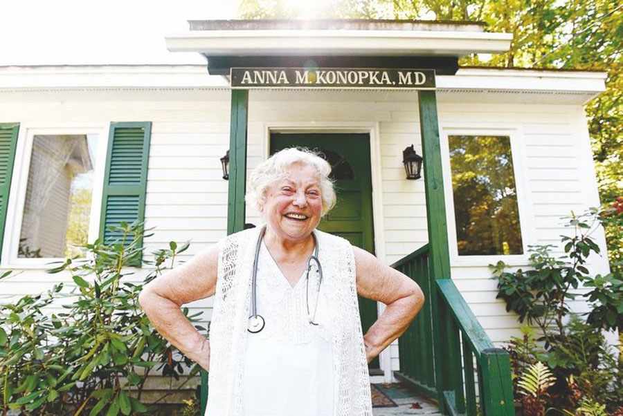 Electronic medicine, The system, Doctor doesn't have computers, Anna Konopka, Computers
