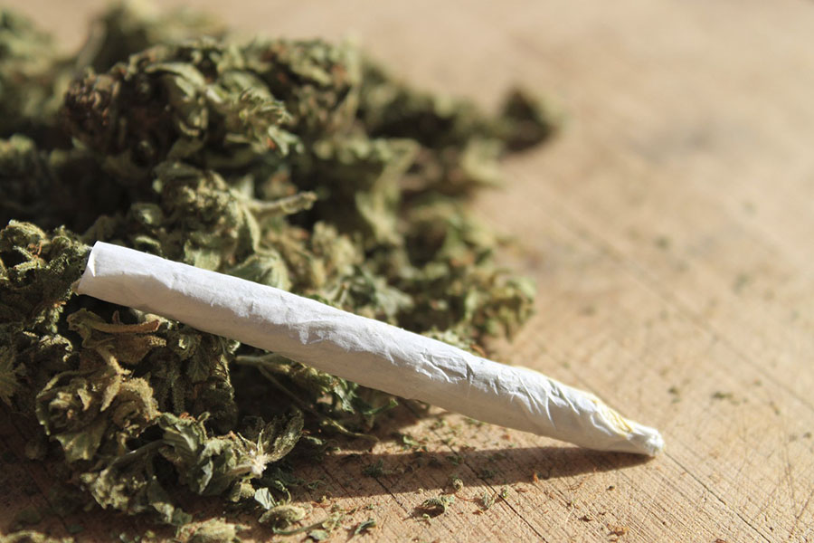 Californian pot retailers, Legal recreational marijuana, The first stores opened this 2018, Cannabis market