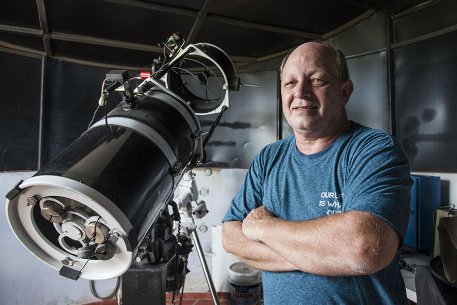 Amateur astronomer in Argentina, The light of supernovas when exploding, Stars in the space