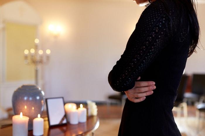 Cremation Urn Woman Praying